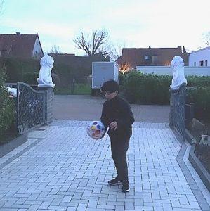 "17792 km: E1-Abwehrspieler Raul erwischt ""das Ding"" in Rethmar"
